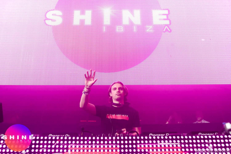 Shine_3 3