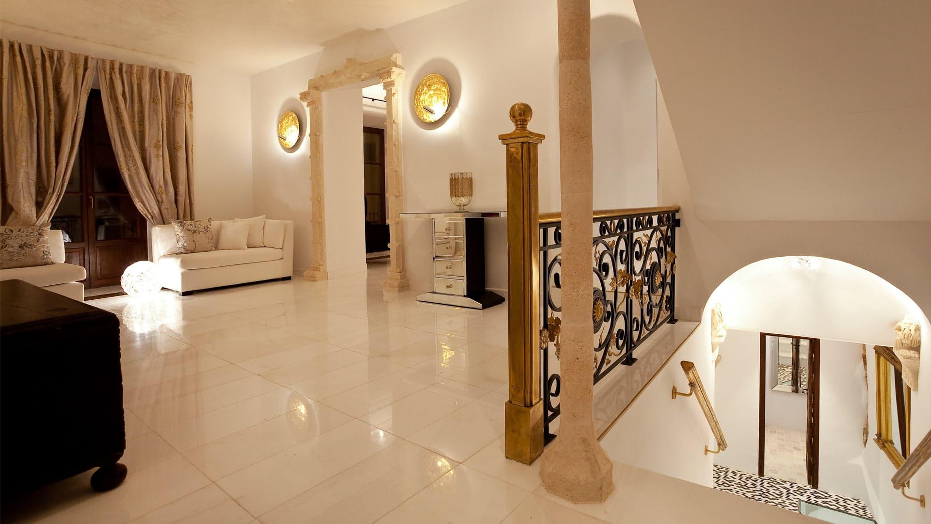 Dalt Vila Palace7 5